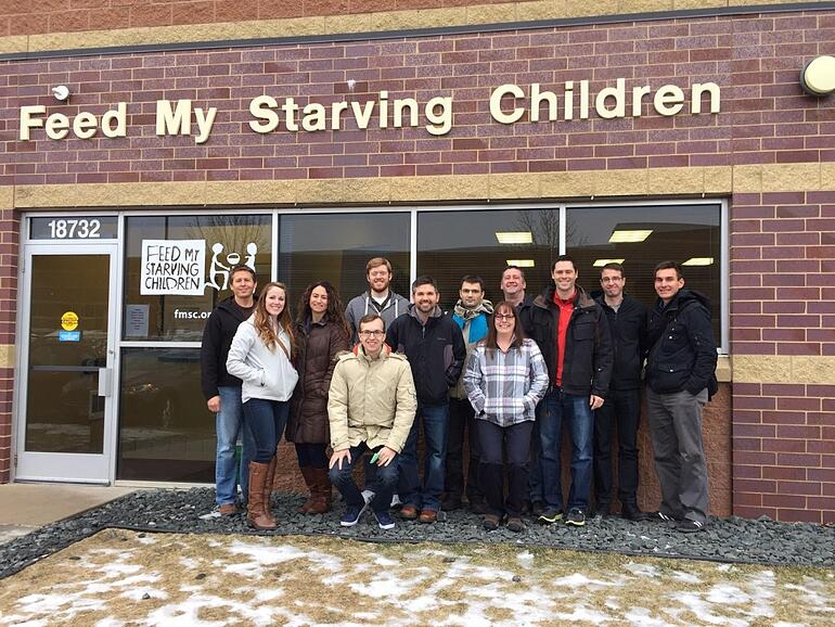 exosite-volunteers-at-feed-my-starving-children